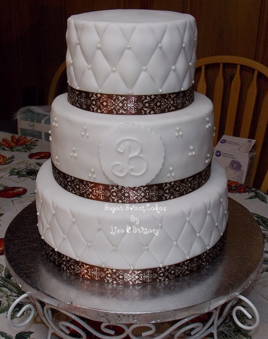 Edible Pearls For Wedding Cakes  Quilted Wedding Cake W edible Pearls CakeCentral