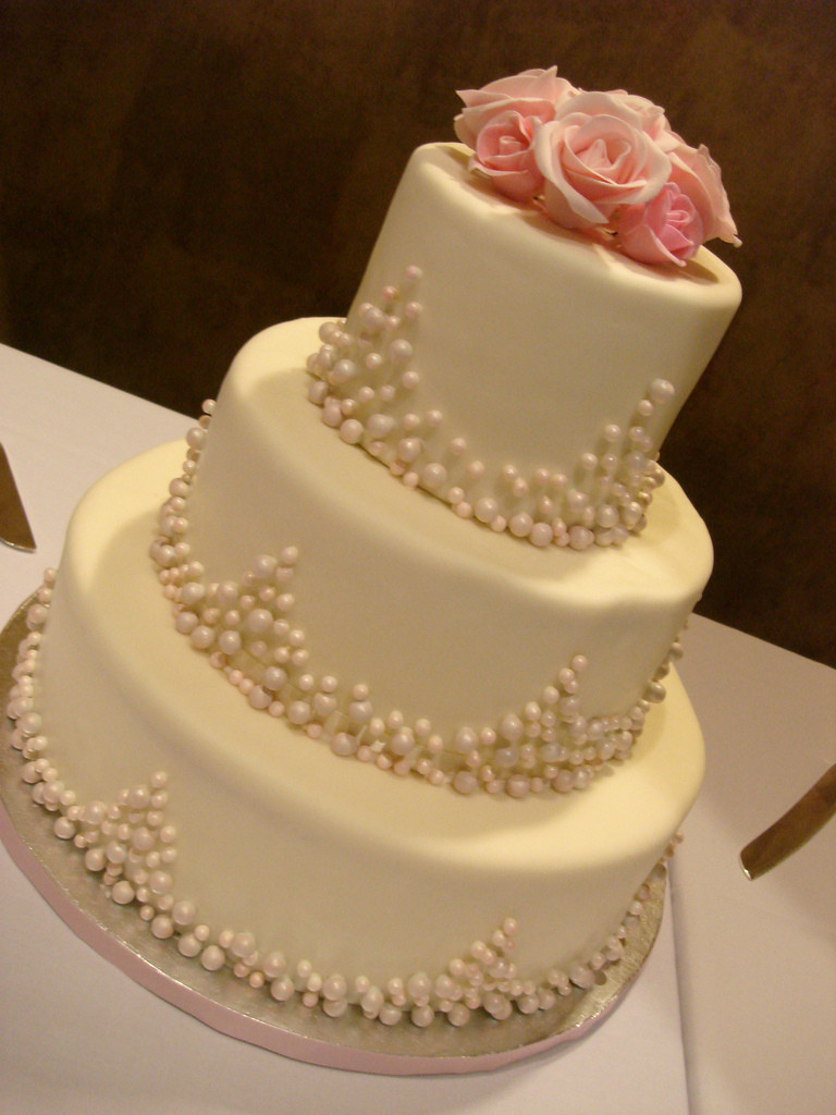 Edible Pearls For Wedding Cakes  Pink Pearl wedding cake