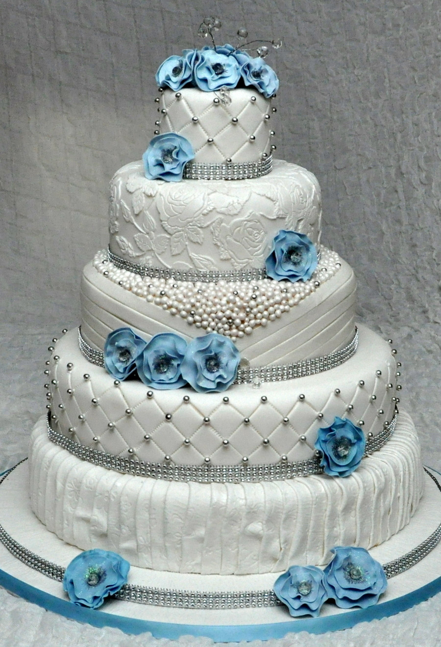 Edible Pearls For Wedding Cakes  5 Tier Wedding Cake With Edible Pearls And Lace Decorated