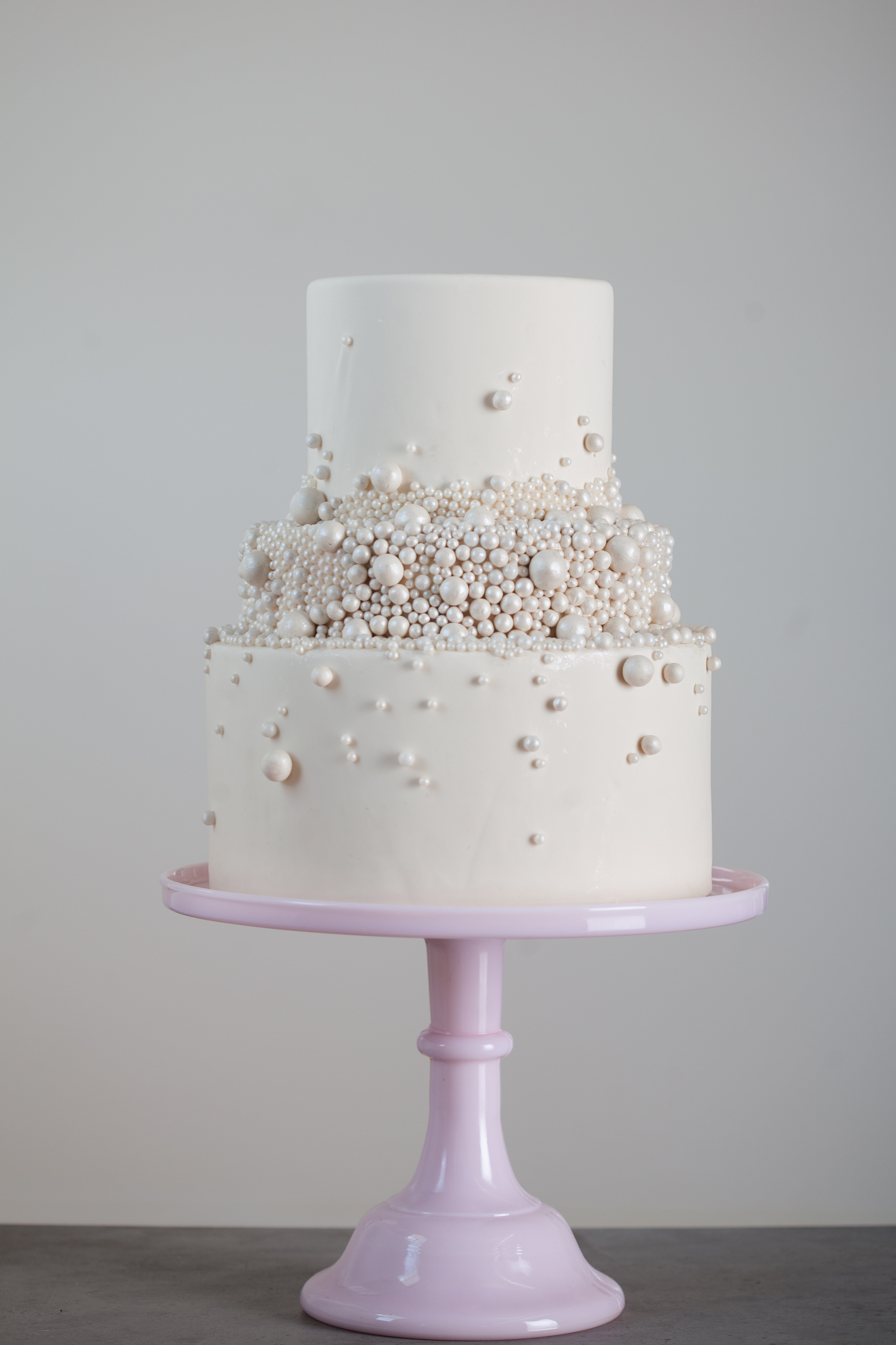Edible Pearls For Wedding Cakes  How to Make Edible Glue 2 Easy Recipes to Try