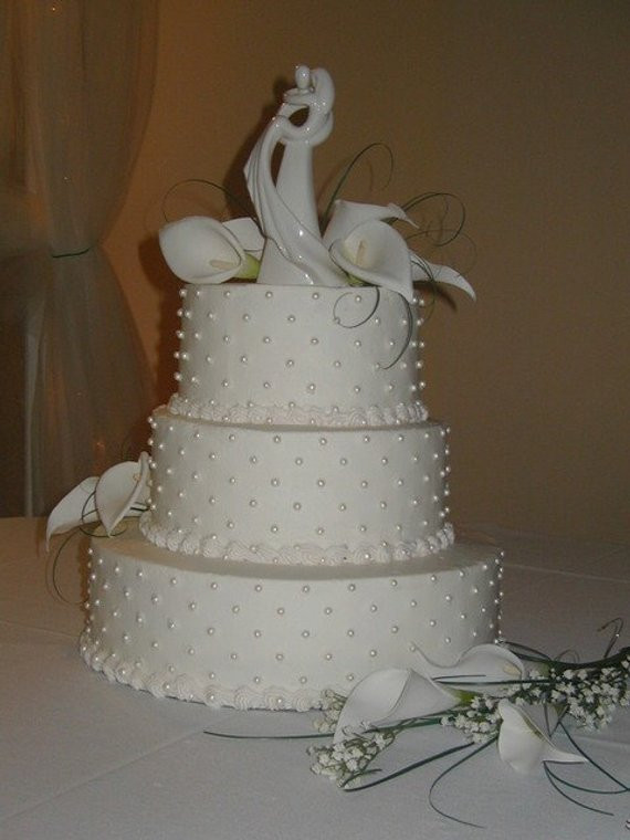 Edible Pearls For Wedding Cakes  Items similar to Fondant Edible Pearls wedding cake