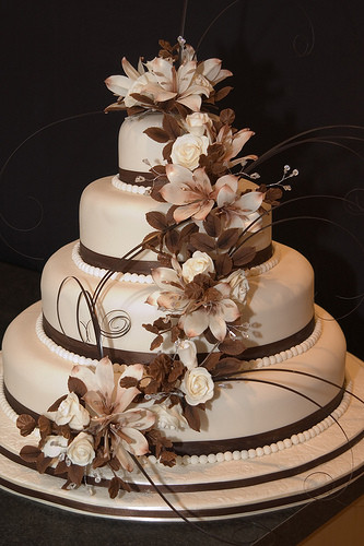 Elegant Wedding Cakes  Fashion and Art Trend Elegant Wedding Cake