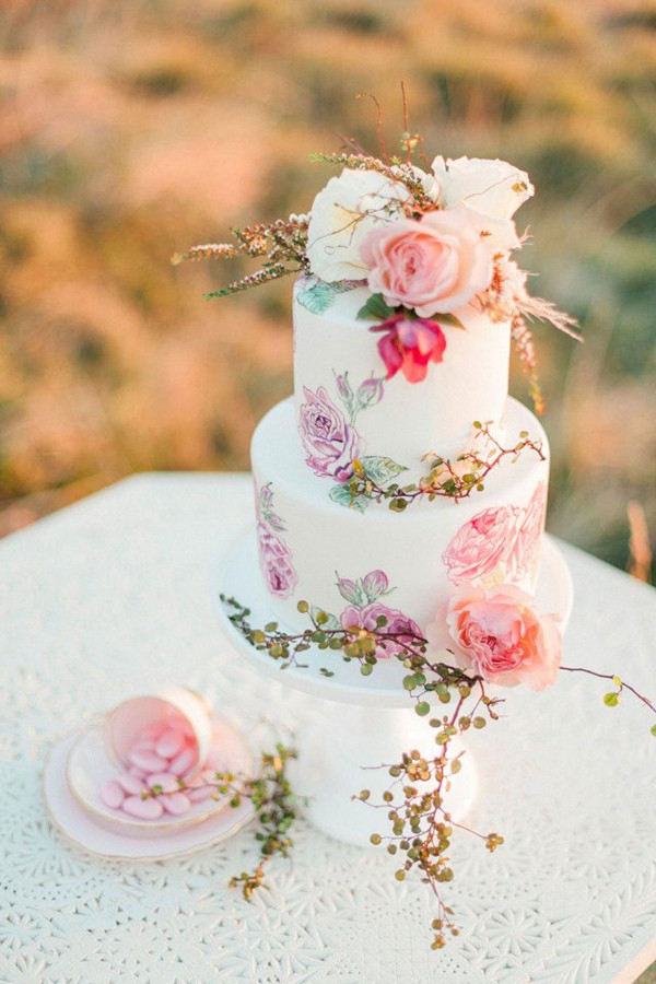 Elegant Wedding Cakes  27 Eye popping Painted Wedding Cakes For 2016