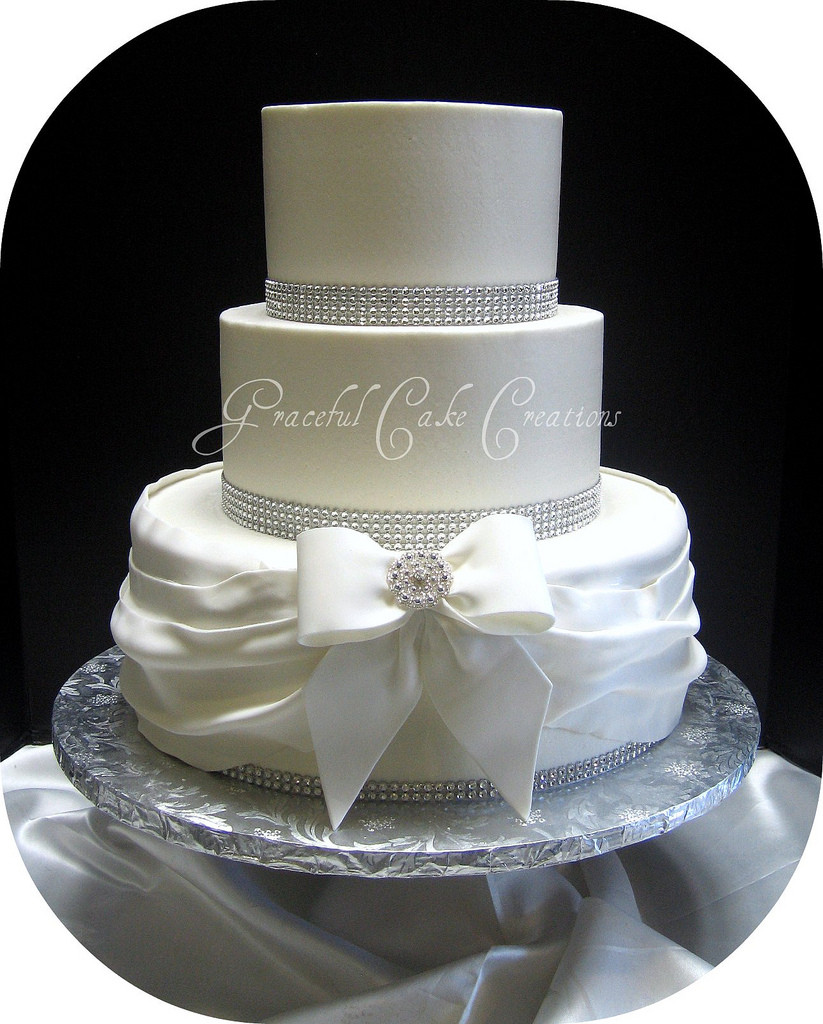 Elegant Wedding Cakes With Bling  Elegant White Buttercream Wedding Cake with Bling