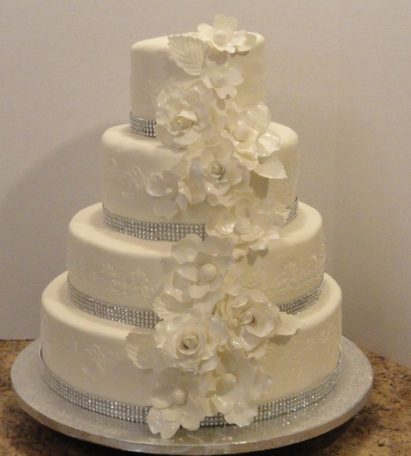 Elegant Wedding Cakes With Bling  17 Best images about Wedding cake on Pinterest