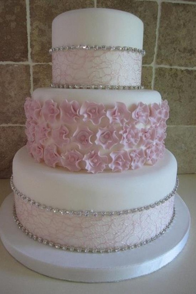 Elegant Wedding Cakes With Bling  Elegant Wedding Cakes With Crystals