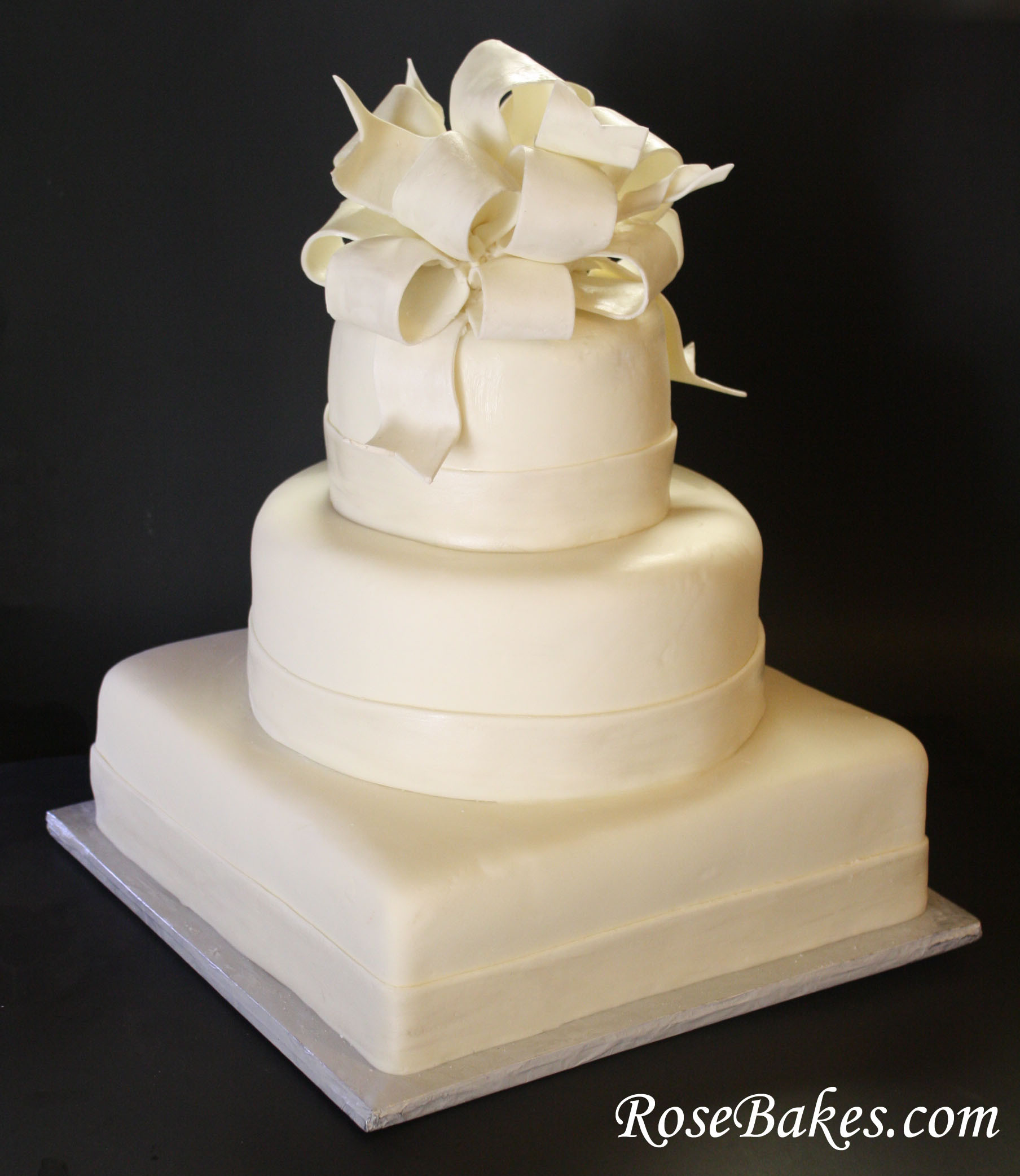 Elegant White Wedding Cakes  Elegant White Wedding Cake