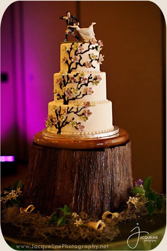 Enchanted Forest Wedding Cakes  Enchanted Forest Wedding Cake Ideas and Designs