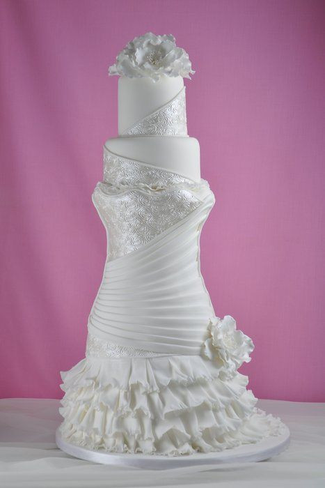 Exquisite Wedding Cakes  1000 ideas about Car Shaped Cake on Pinterest
