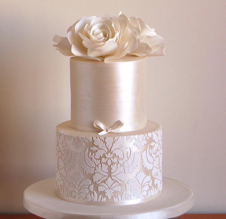 Exquisite Wedding Cakes  26 Elaborate Wedding Cakes with Sugar Flower Details