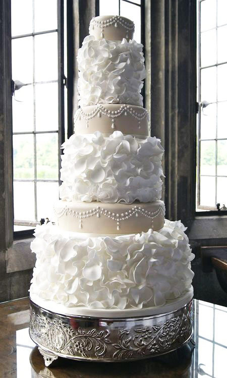 Extravigant Wedding Cakes  Extravagant Cakes for a Yacht Wedding