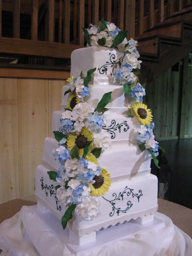 Extravigant Wedding Cakes  Luxury Inspiration Show stopping Extravagant Wedding