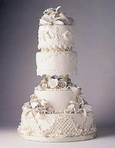 Extravigant Wedding Cakes  Bird House Diaries Tips and Tricks Home Based Wedding