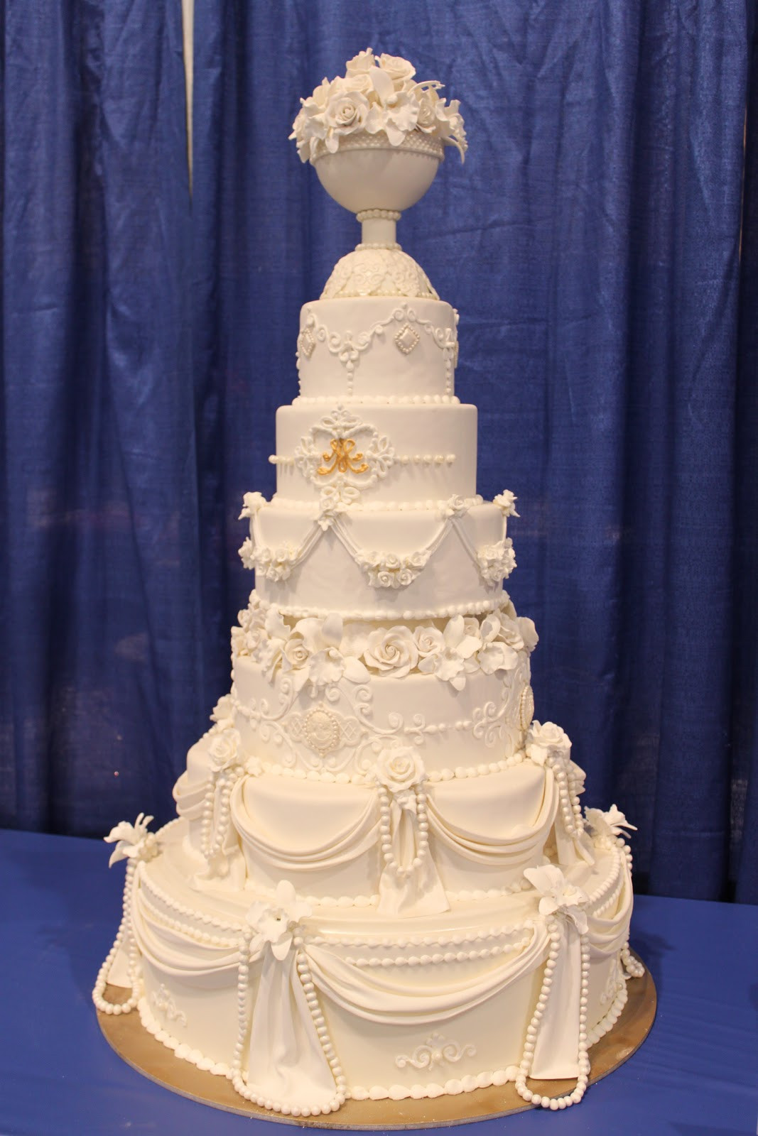 Extravigant Wedding Cakes  ICES 2011 International Cake Exploration Society The