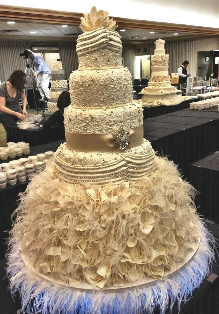 Extreme Wedding Cakes  197 best Amazing wedding cakes 3 images on Pinterest