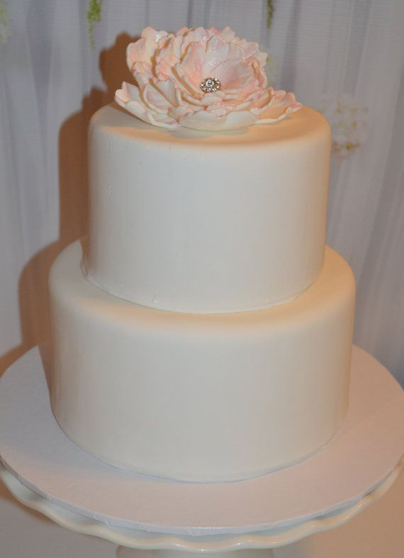 Fake Wedding Cakes For Display  Best 25 Fake wedding cakes ideas on Pinterest