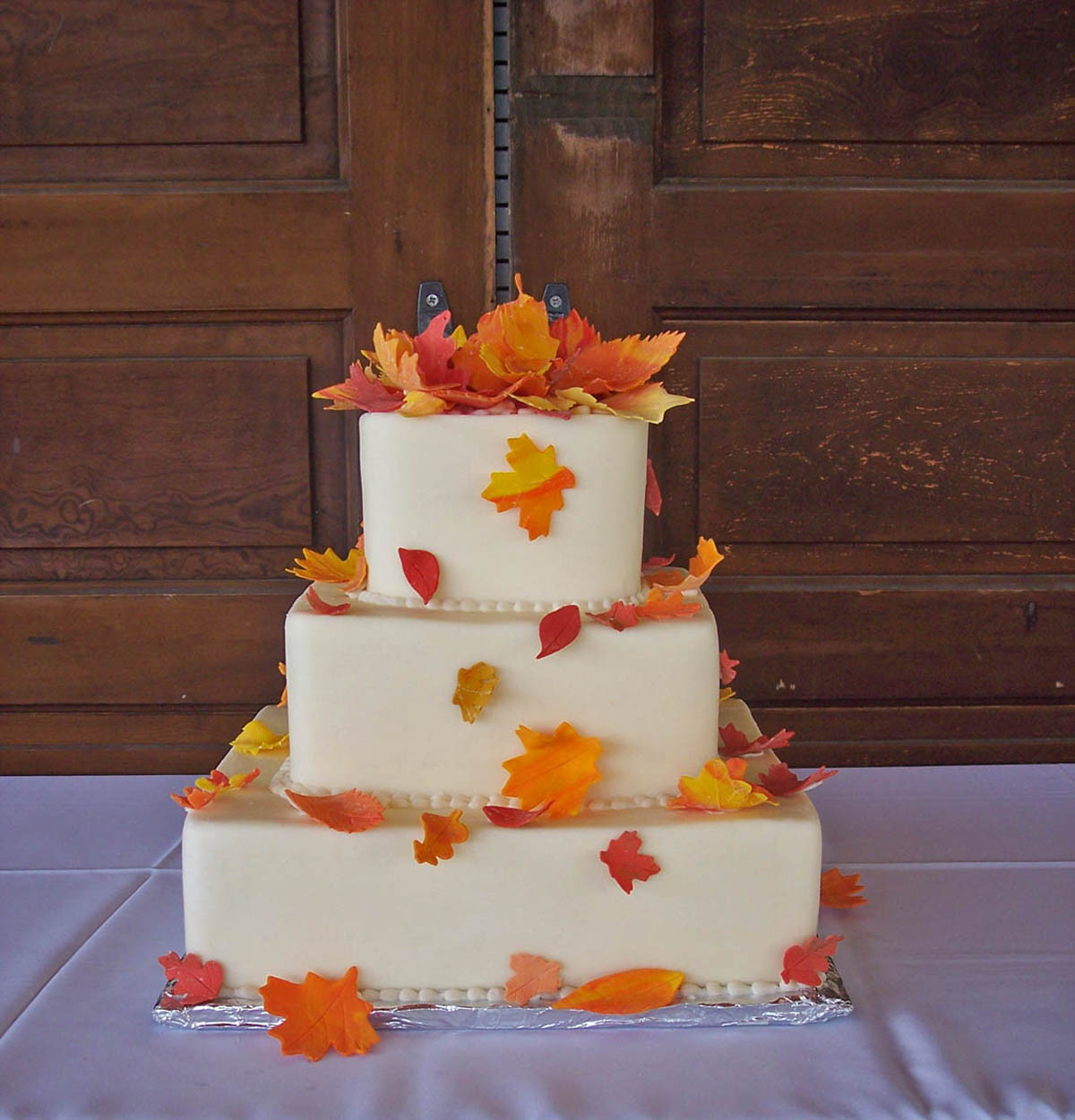 Fall Themed Wedding Cakes  GAME Build a fall themed wedding NWR Chit Chat