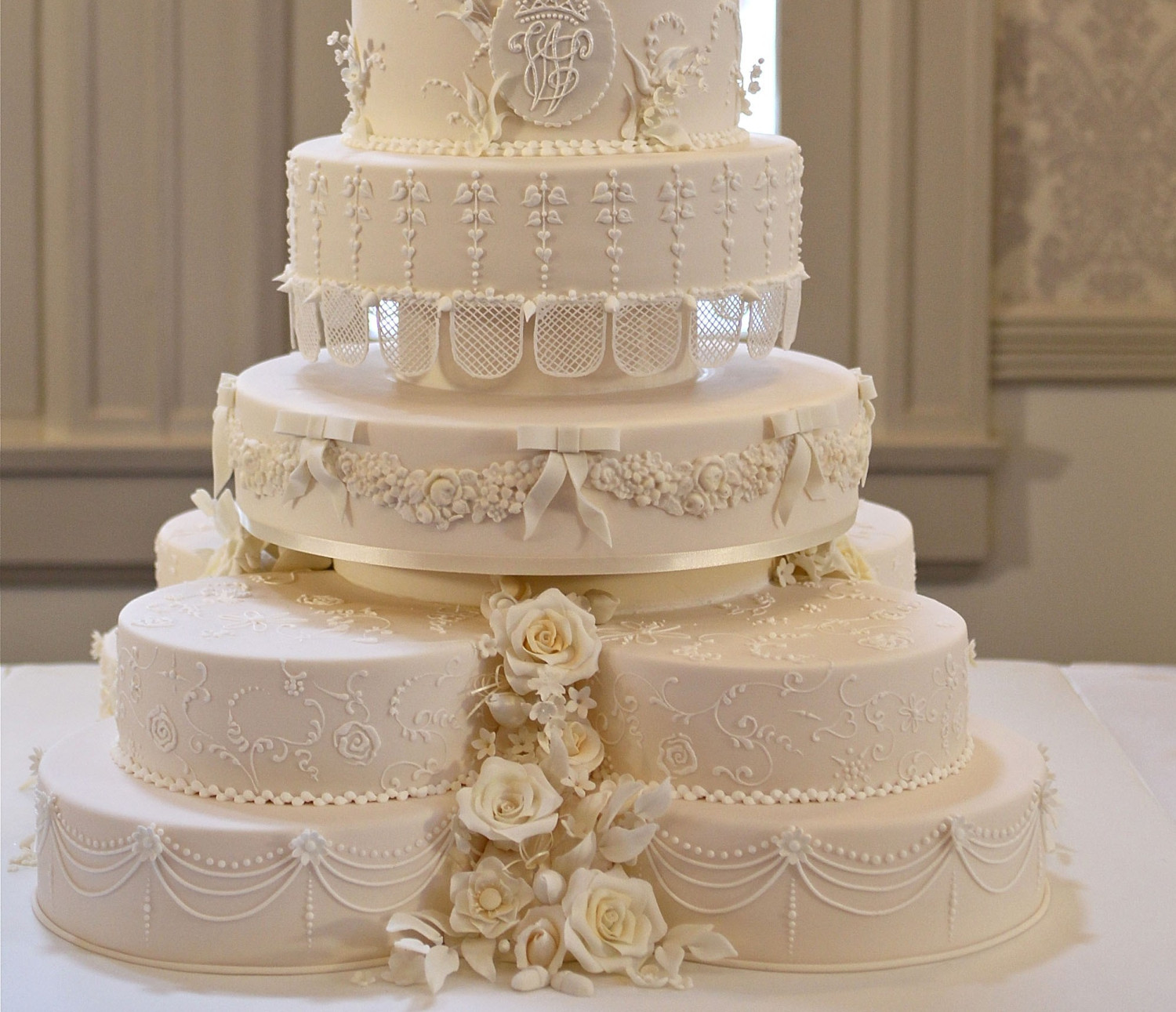 Famous Wedding Cakes  Best Places For Wedding Cakes In Tampa Bay CBS Tampa