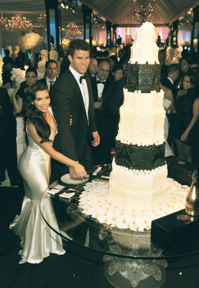 Famous Wedding Cakes  Most expensive celebrity weeding cakes