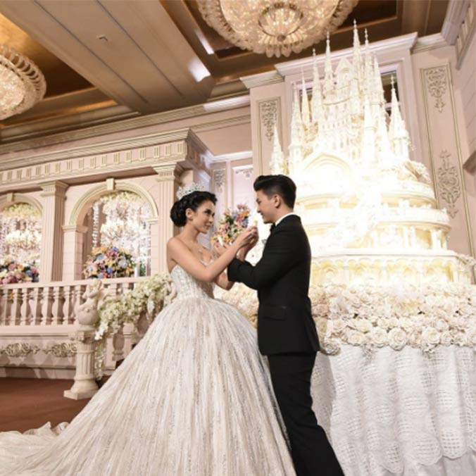 Famous Wedding Cakes  8 Mind Blowing Celebrity Wedding Cakes for Some Major