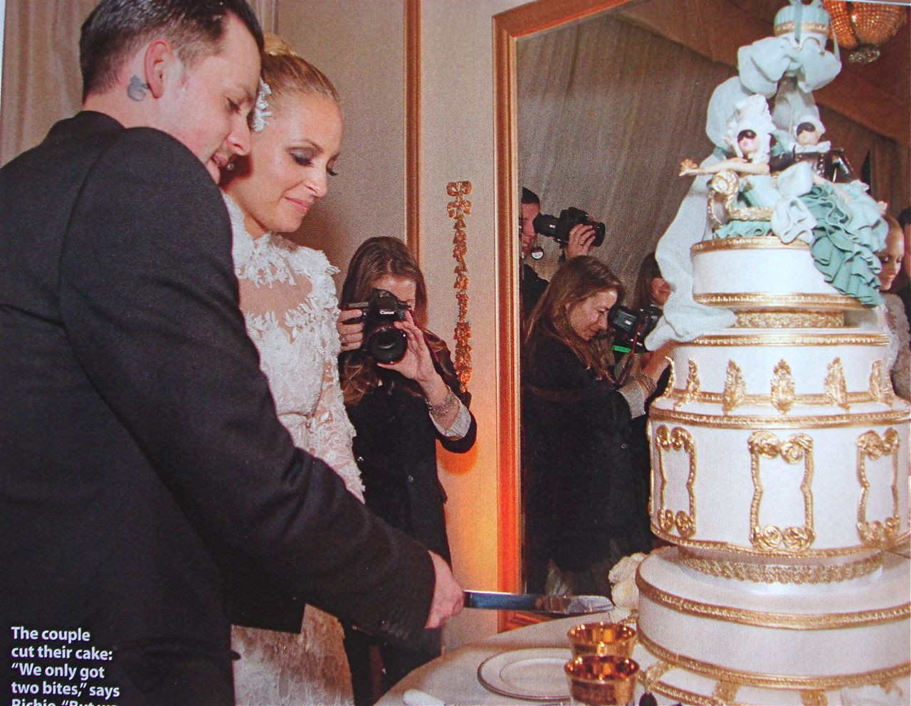 Famous Wedding Cakes  1000 images about Celebrity Wedding Cakes on Pinterest