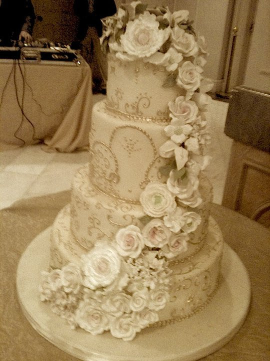 Fancy Wedding Cakes  Elegant wedding cake