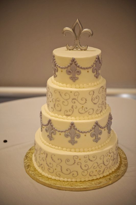 Fleur De Lis Wedding Cakes  21 best images about Fleur de lis cake on Pinterest