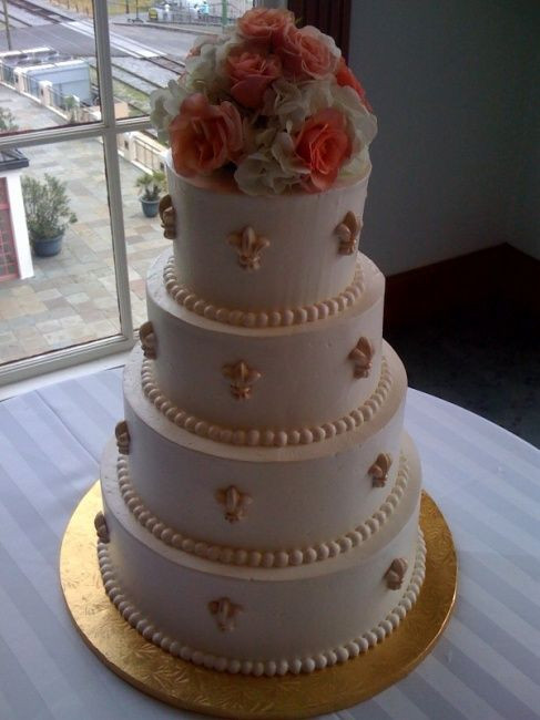 Fleur De Lis Wedding Cakes  21 best images about Wedding cakes buttercream fleur de
