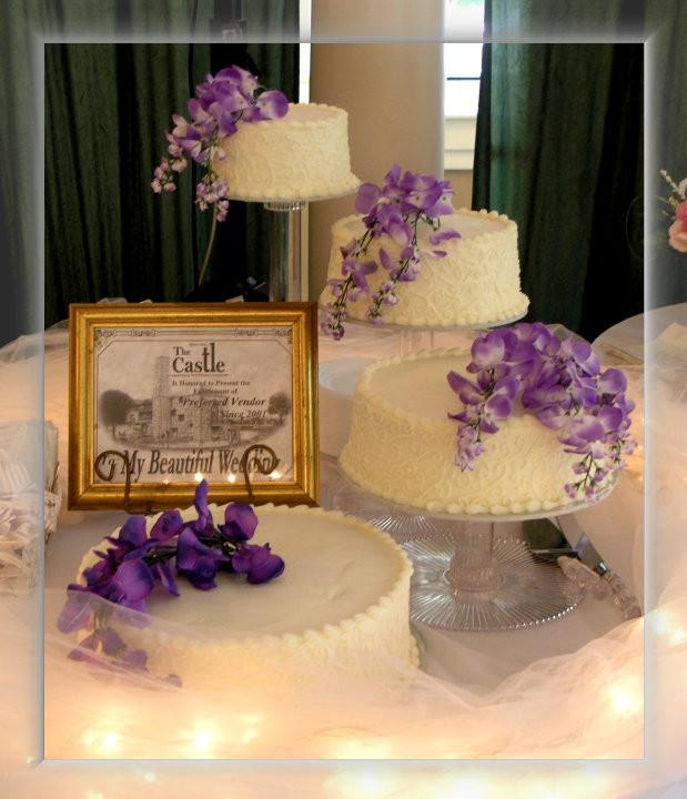 Floating Wedding Cakes  FloatingTierCakes