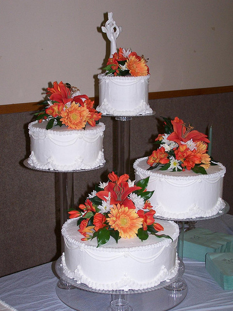 Floating Wedding Cakes  12 Wedding Cake Floating Stand