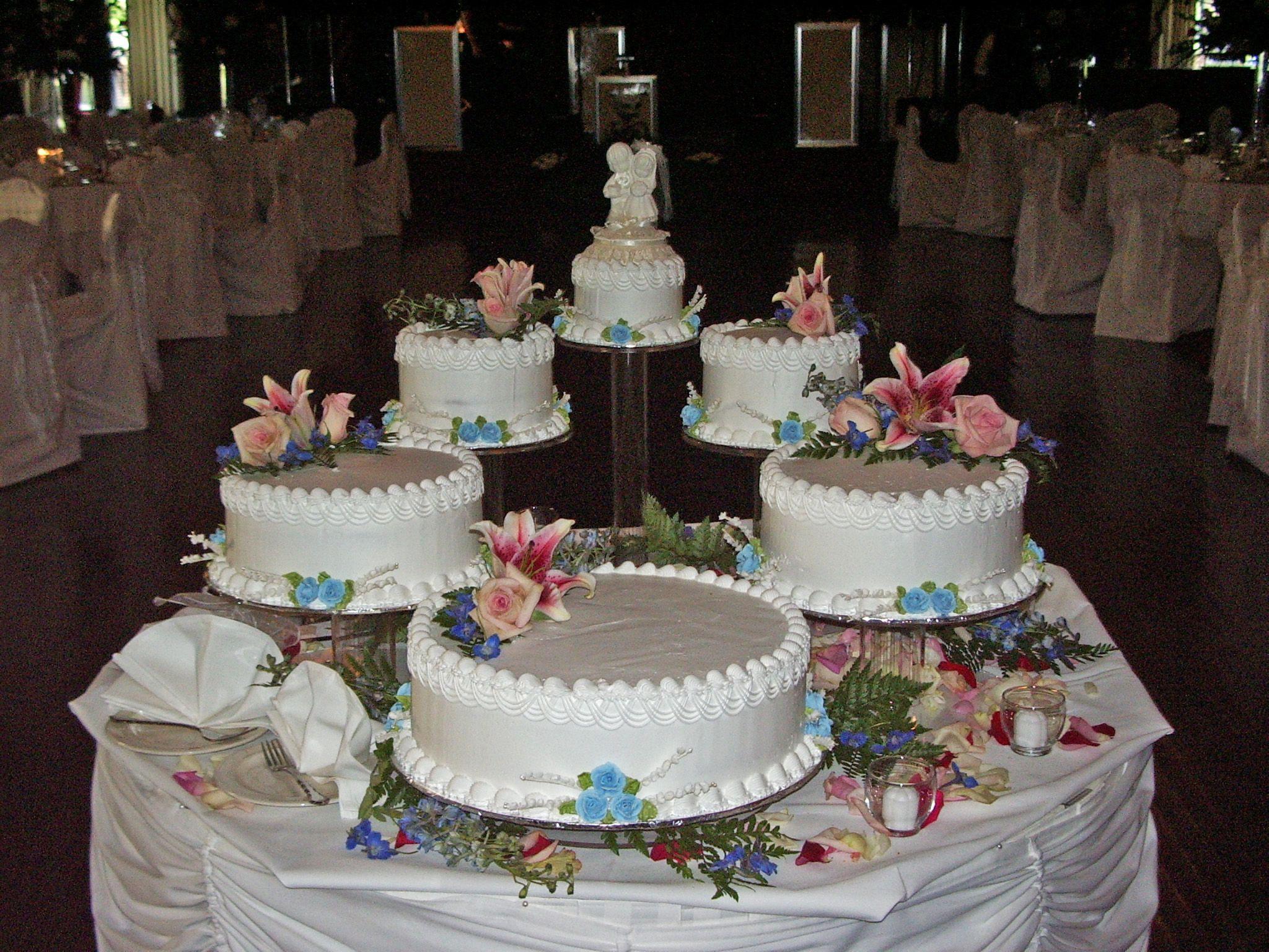 Floating Wedding Cakes  Pin Floating wedding cake on Pinterest