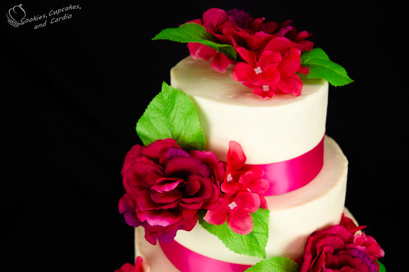 Flowers For Wedding Cakes Artificial  How To Decorate A Wedding Cake With Silk Flowers