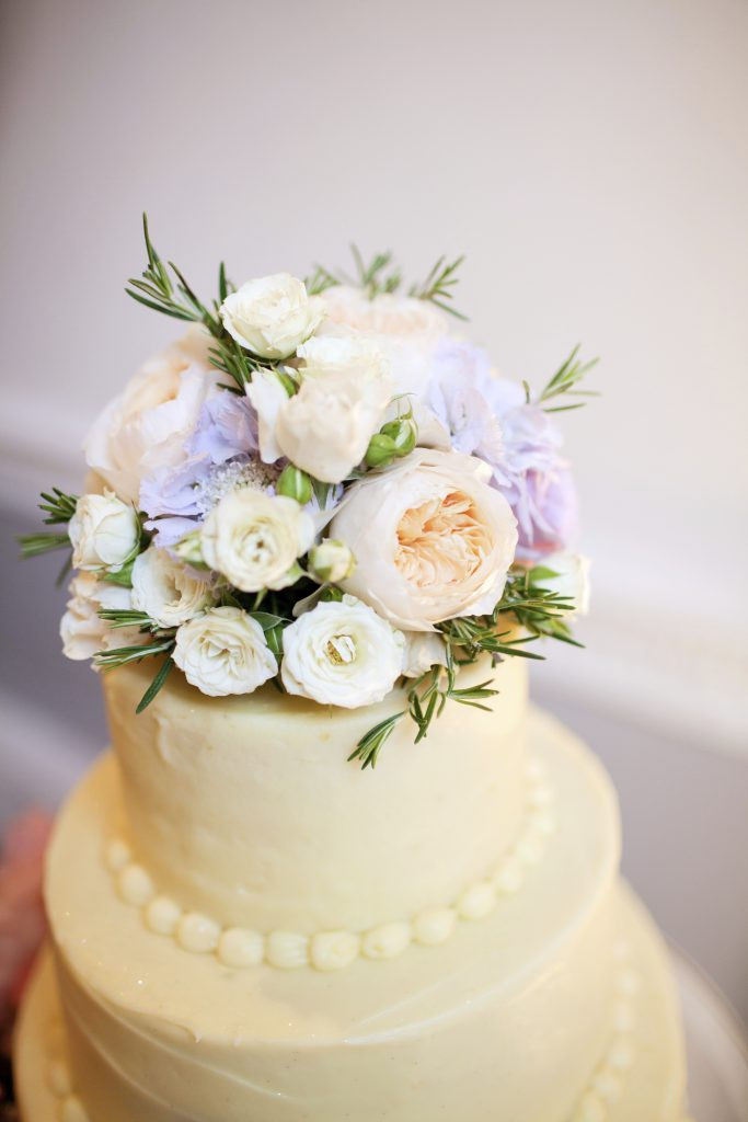 Flowers For Wedding Cakes Artificial  Incredible Flowers For Wedding Cakes Purple Flower Cake
