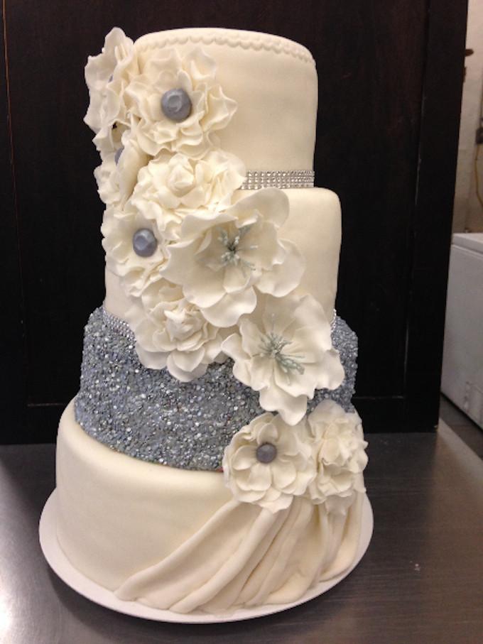 Fondant Wedding Cakes  121 Amazing Wedding Cake Ideas You Will Love • Cool Crafts