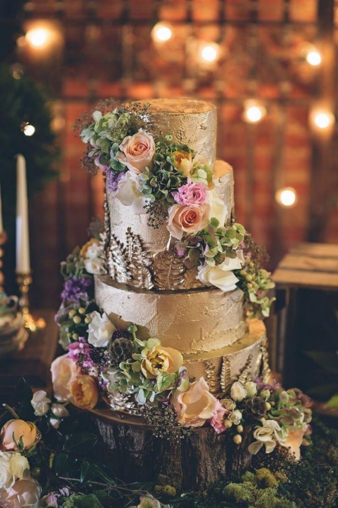 Forest Wedding Cakes  45 Dreamy Outdoor Woodland Wedding Ideas