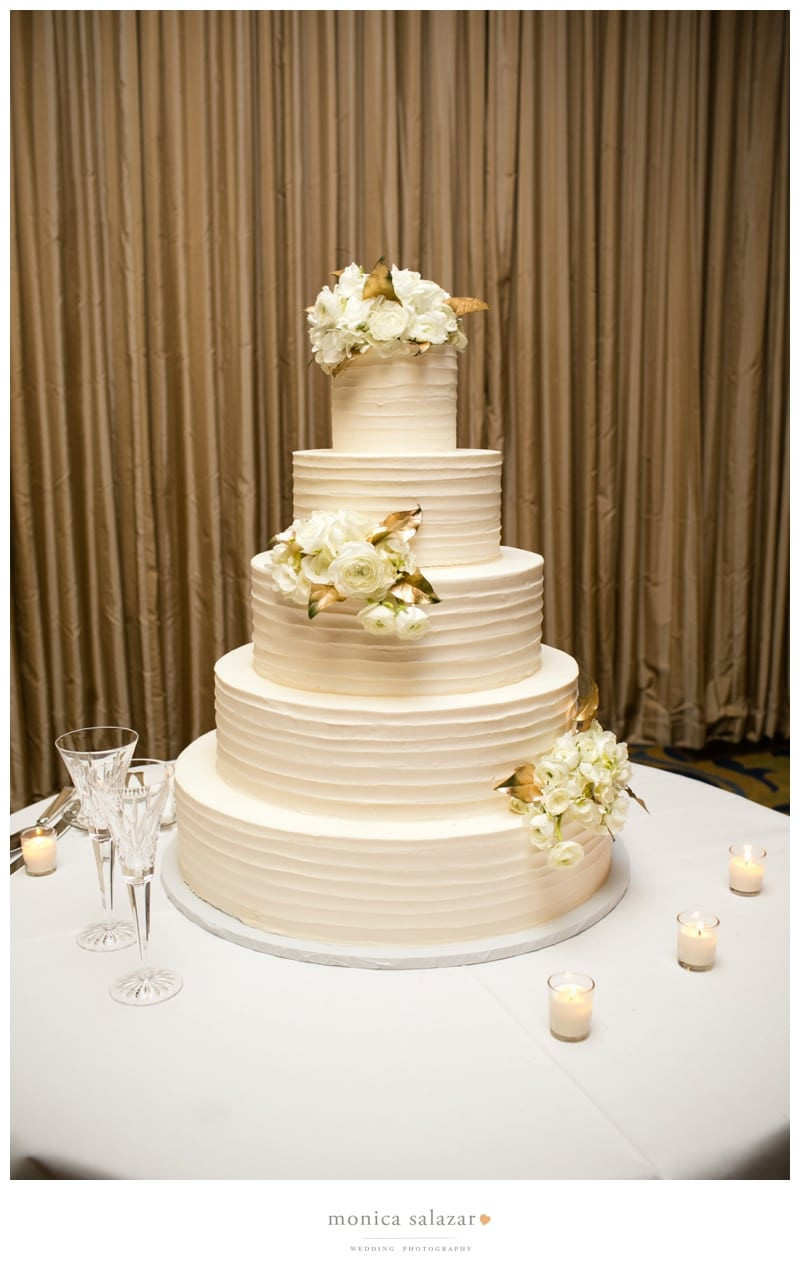 Fort Worth Wedding Cakes  Lance & Kathleen River Crest Country Club Wedding
