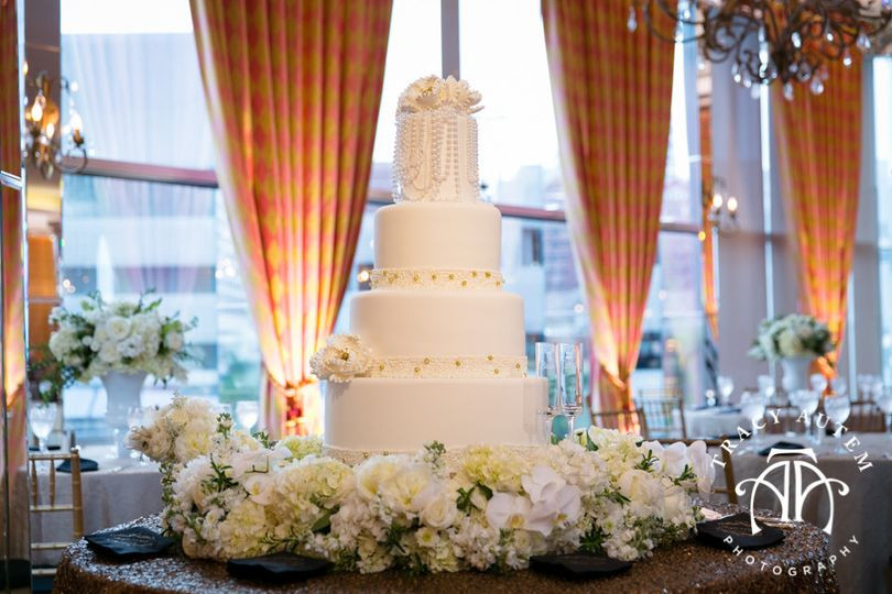 Fort Worth Wedding Cakes  Creme de la Creme Cake pany Wedding Cake Fort Worth