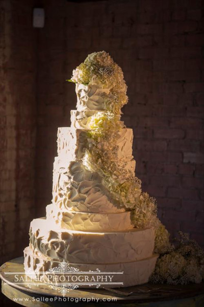 Fort Worth Wedding Cakes  Wedding Cakes Desserts in Dallas TX The Knot