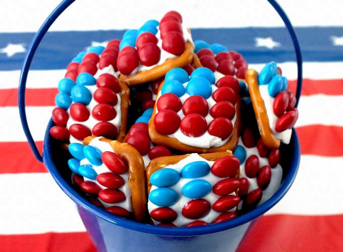 Fourth Of July Snacks And Desserts  Patriotic Pretzel Bites Two Sisters