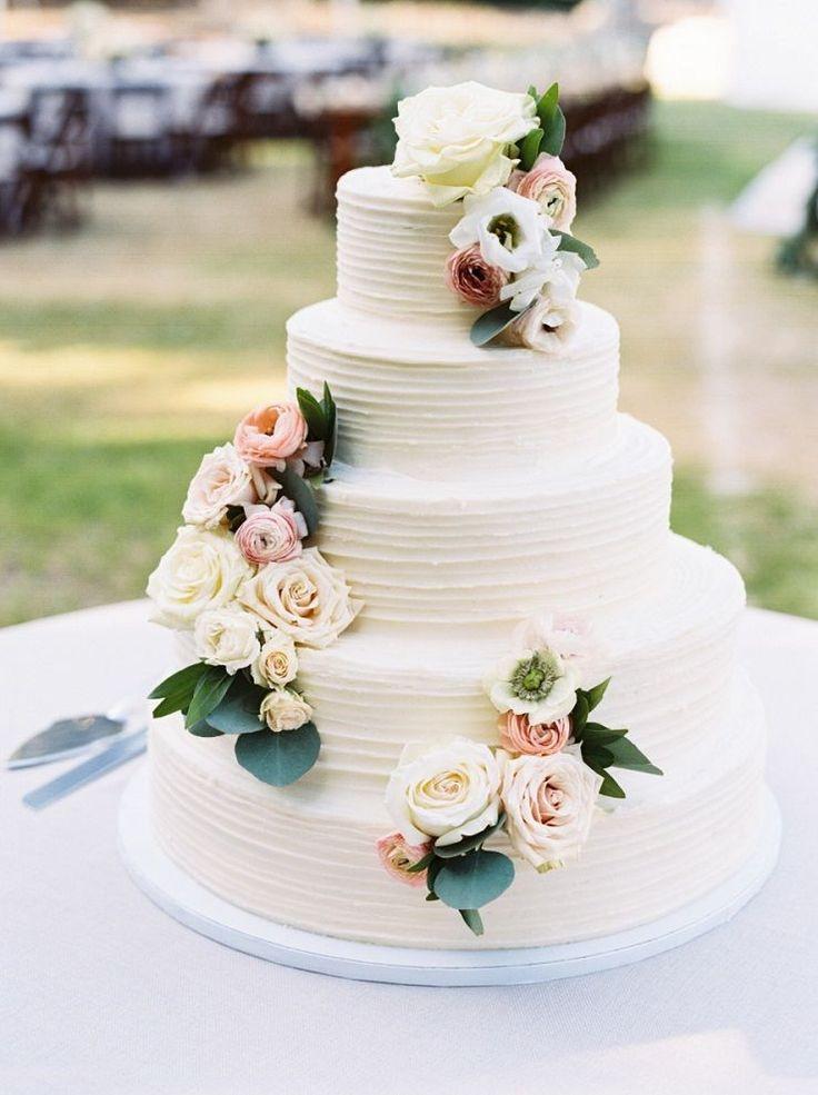 Fresh Flowers On Wedding Cakes  25 best ideas about Wedding Cake Fresh Flowers on