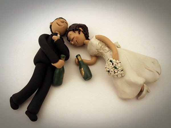 Funny Cake Toppers For Wedding Cakes  12 Funny Ideas Unfor table Wedding Cake Toppers