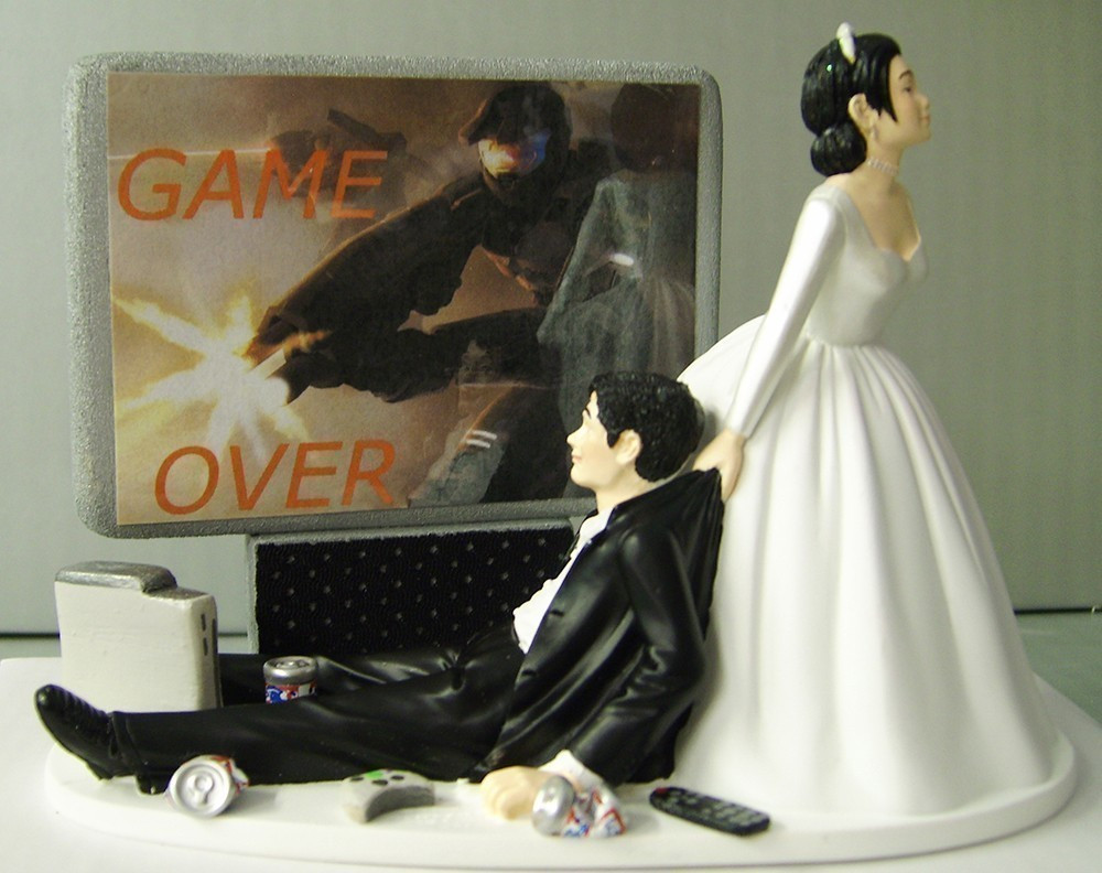 Funny Cake Toppers For Wedding Cakes  20 Wedding Cake Toppers That Are Freaking Awesome