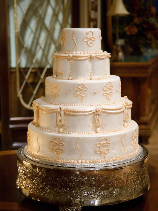 Gay Wedding Cakes  Baker who refused wedding cake can't cite beliefs