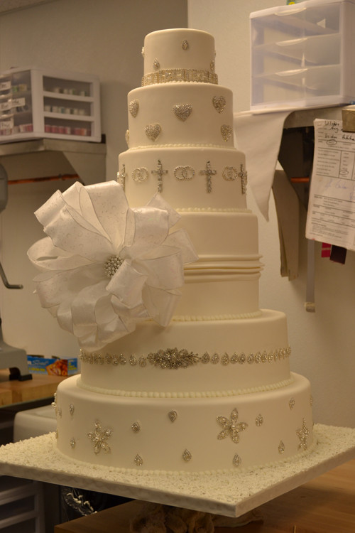 Gigantic Wedding Cakes  Wedding Cakes are now Bigger and Better • Palermo s