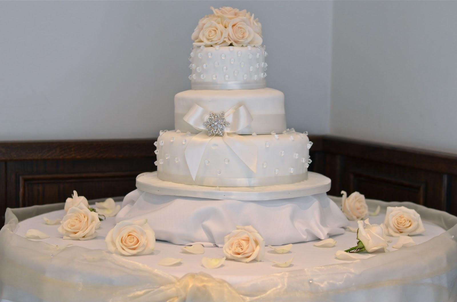 Glamour Wedding Cakes  Wedding Flowers Blog December 2011