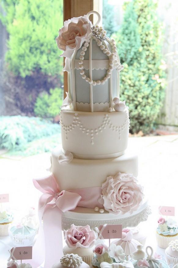 Glamour Wedding Cakes  Vintage Wedding Vintage Glamour Birdcage Cake