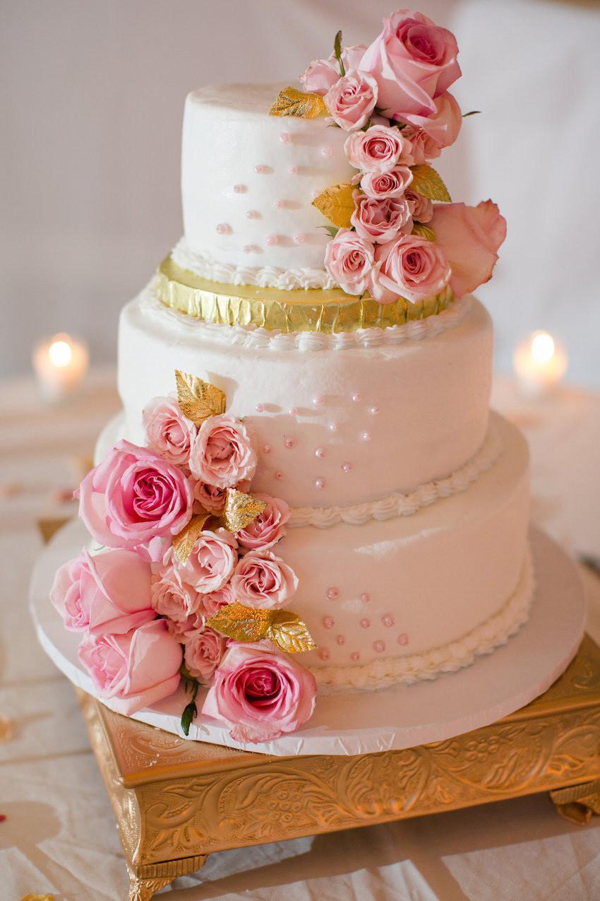 Gold Wedding Cakes  Wedding Cakes 20 Ways to Decorate with Fresh Flowers