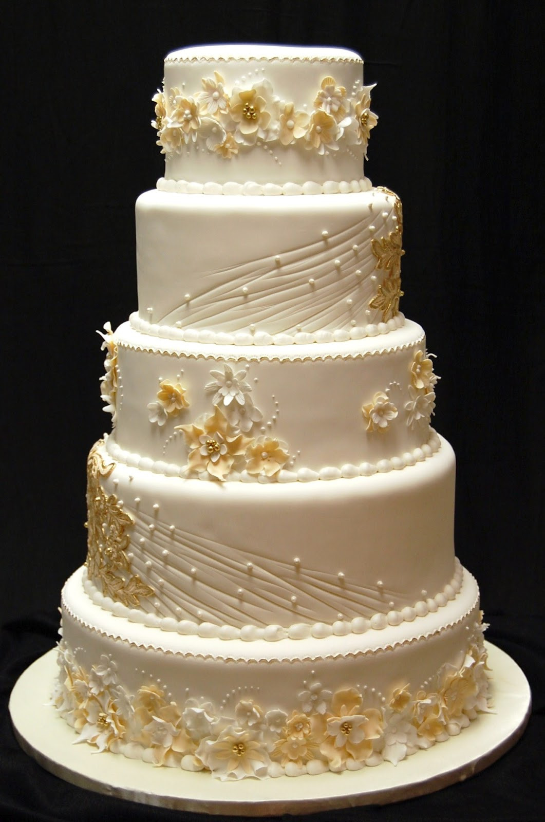 Gold Wedding Cakes  Drea s Dessert Factory From Vintage to Modern The