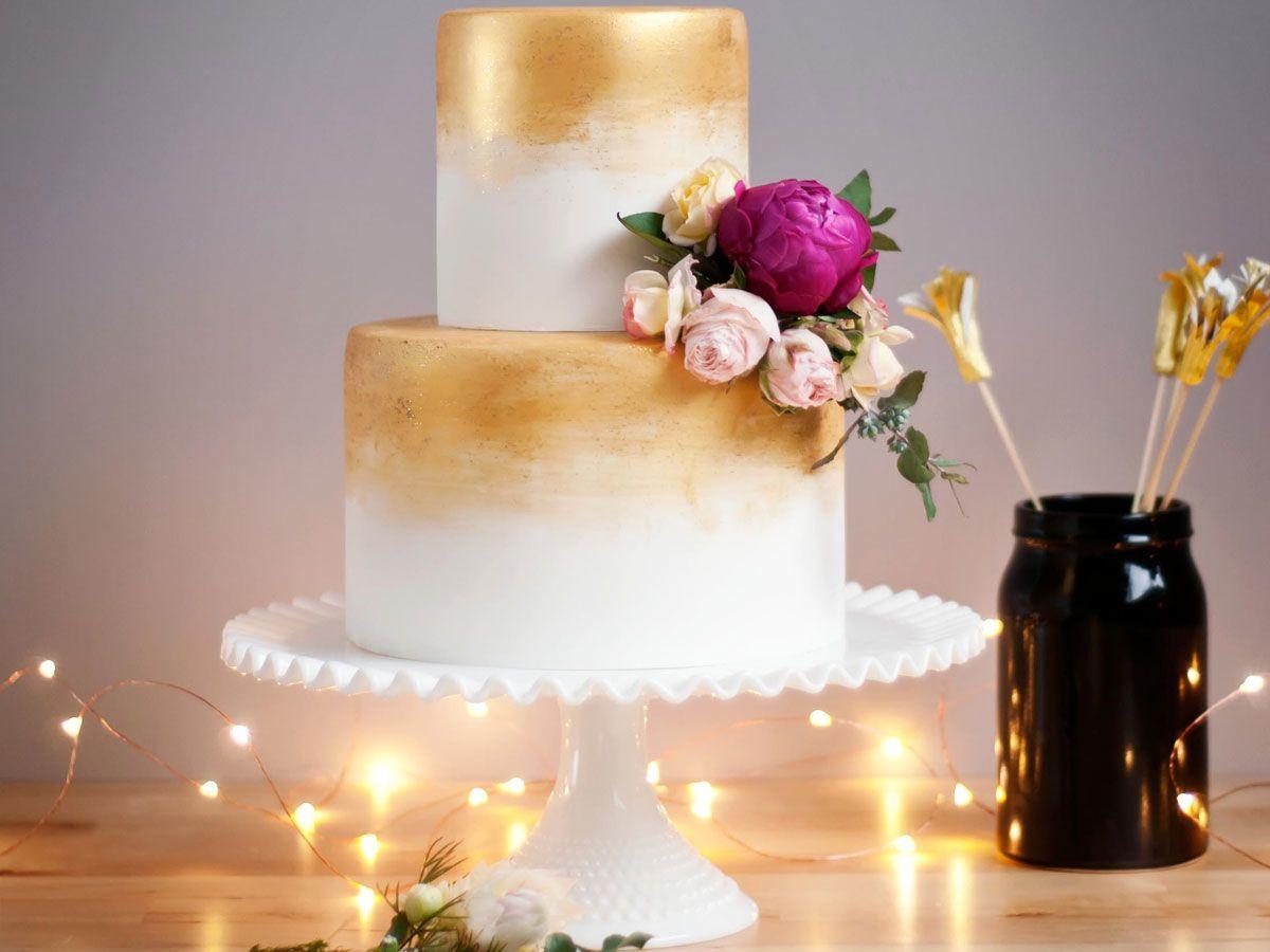 Gold Wedding Cakes  Gorgeous Gold Wedding Cakes
