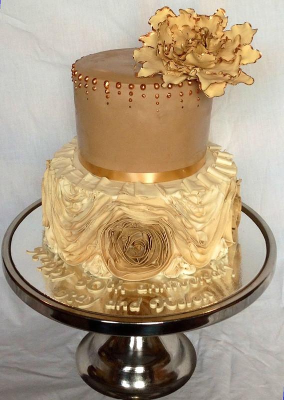 Golden Wedding Anniversary Cakes  Golden wedding anniversary cake